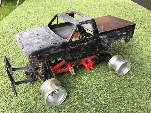 /photos/tamiya_blackfoot_1_before.jpg